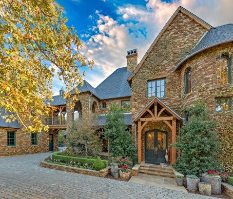 Magnificent properties com sells world class ranches for Colorado country homes